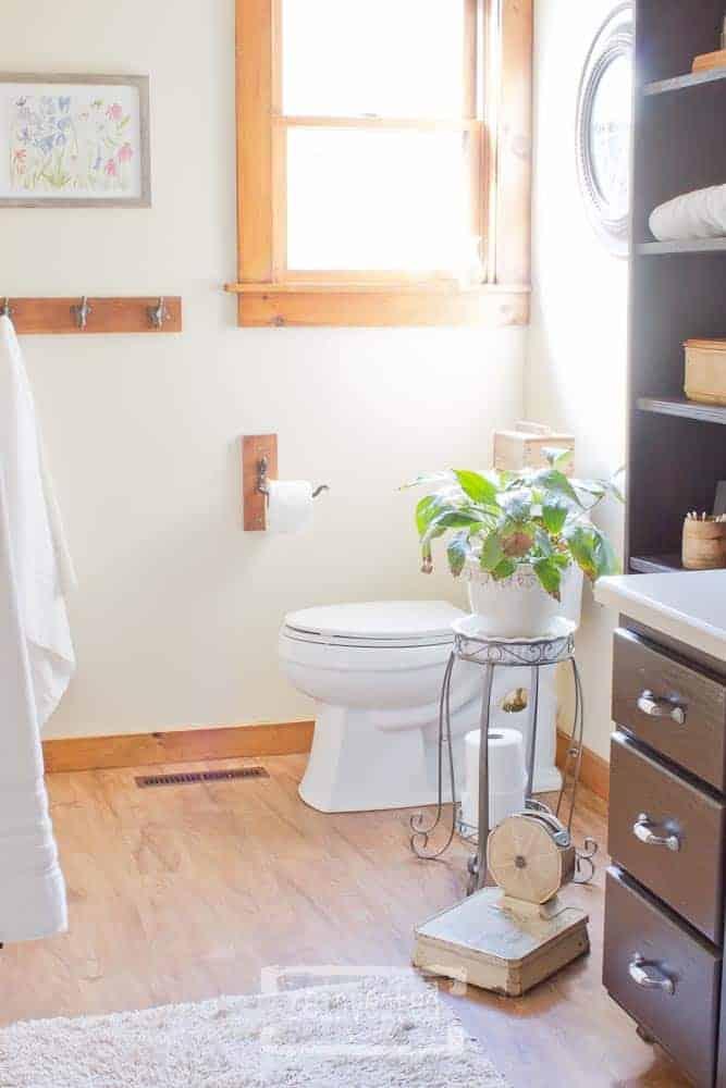 The Easiest Way to Update Your Bathroom Floor | Shaw VersaLock Vinyl Plank Flooring