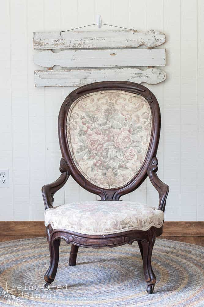 front view of antique victorian chair before furniture makeover