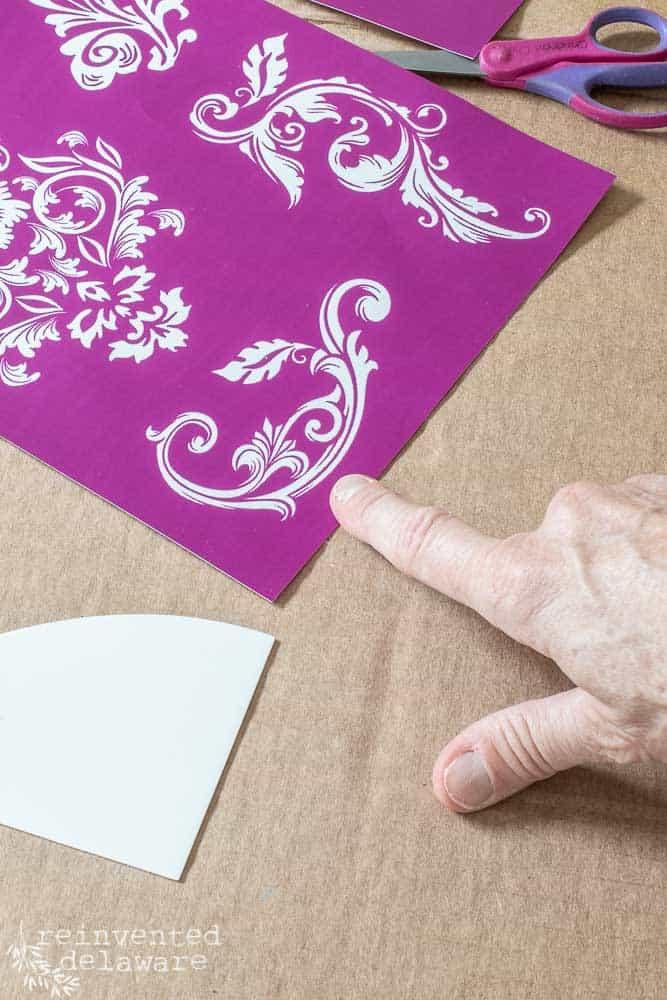 close up of Dixie Belle silkscreeen stencil scroll design